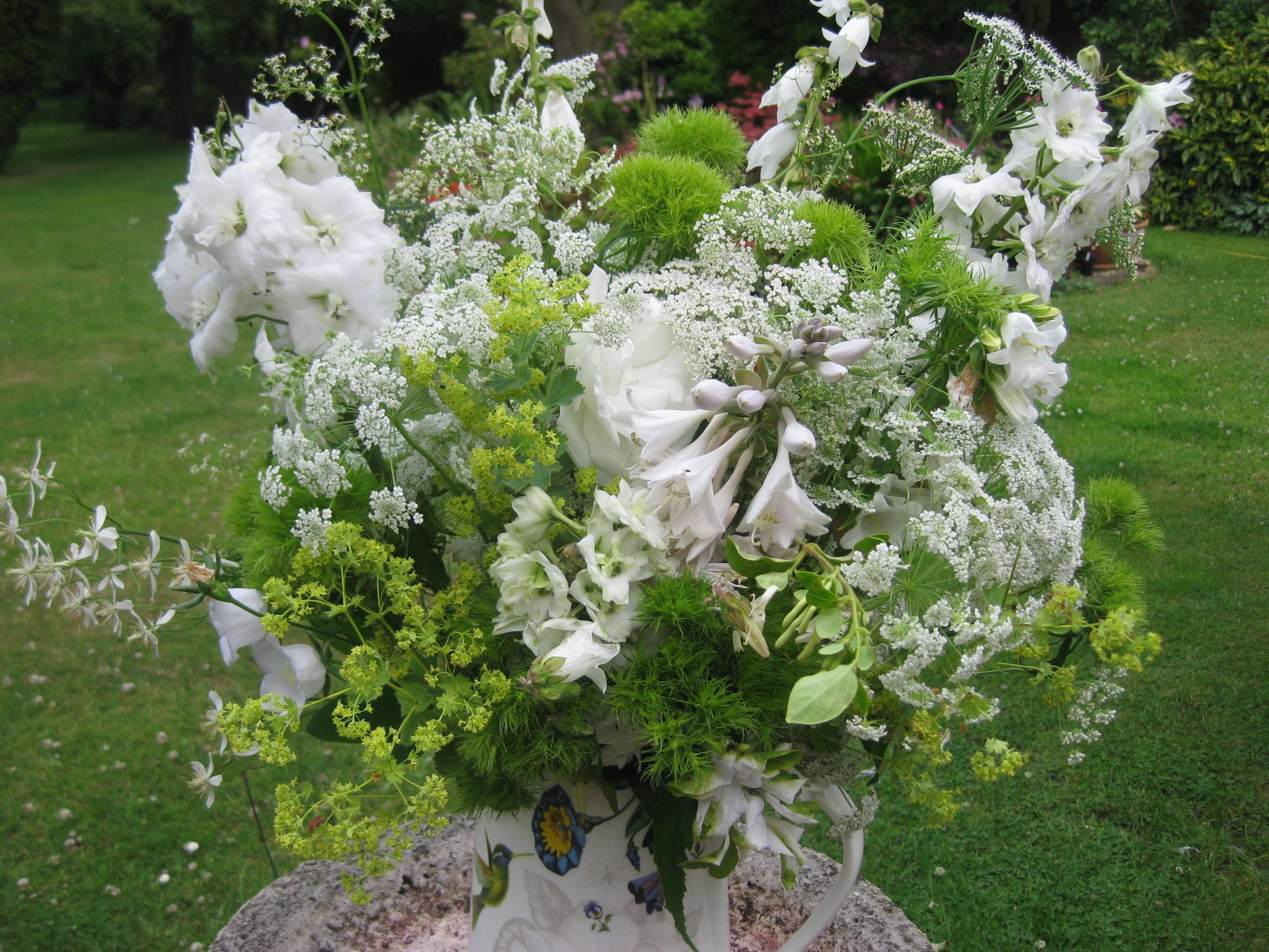 In a vase on monday white foam the blooming garden img0203 mightylinksfo